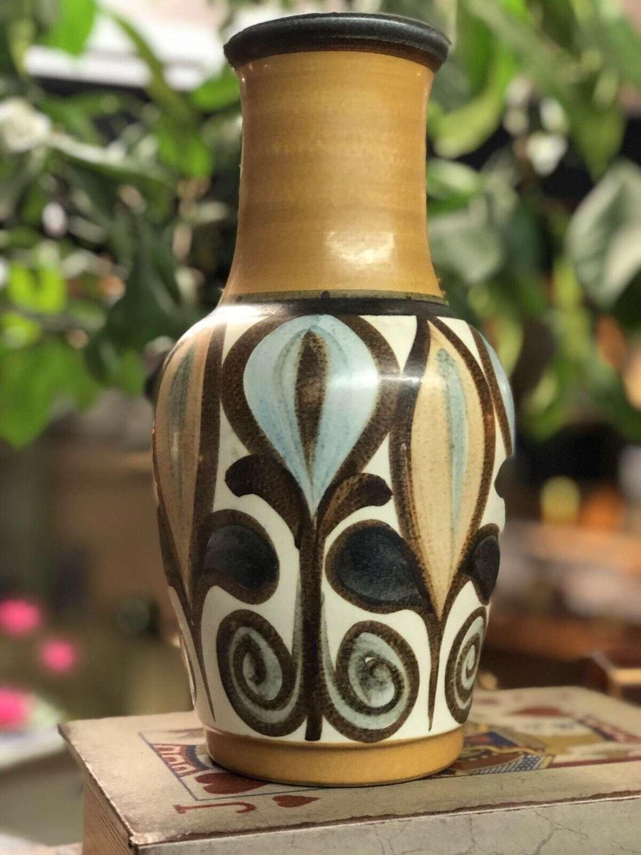 Langley Pottery Vase Soraya Glyn College