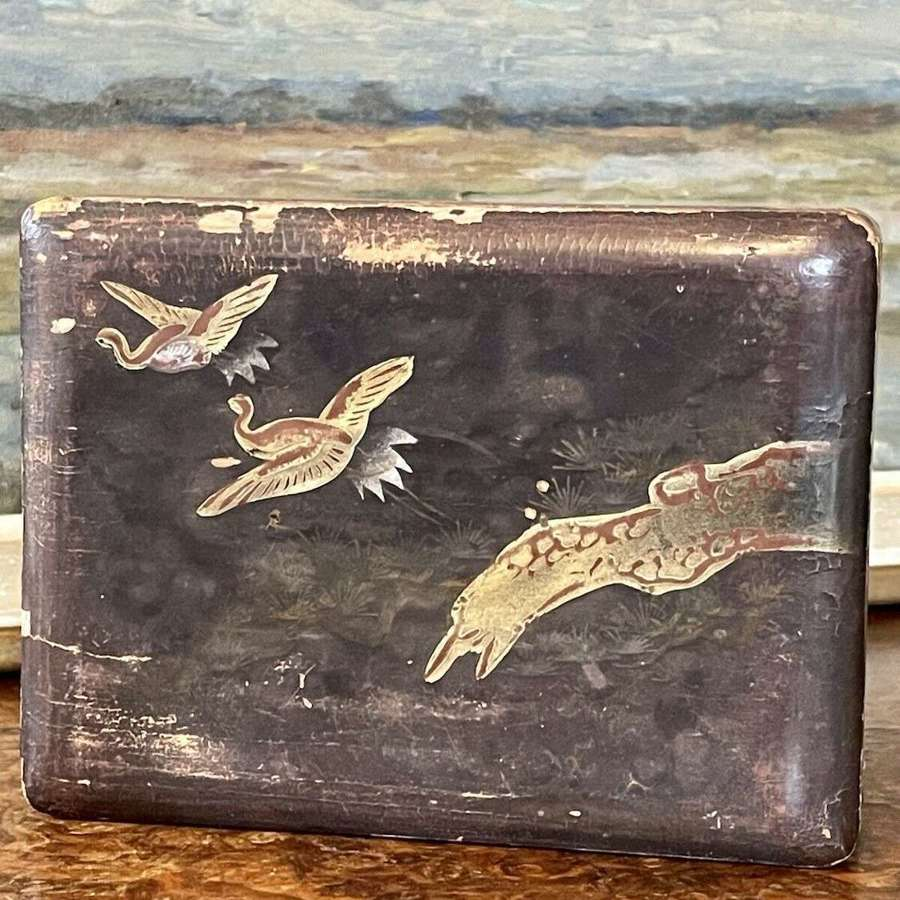 Antique chinoiserie Chinese Japanese lacquer box.