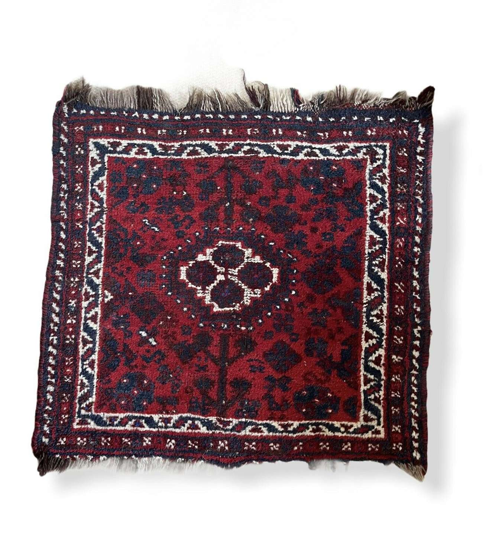 Vintage Shiraz handwoven rug